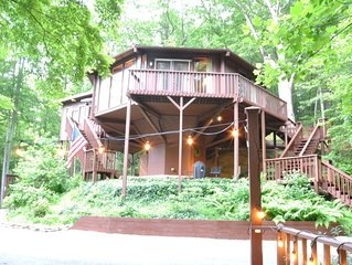 Stay in a Treehouse near the Great Smoky Mountains - Bryson City, NC