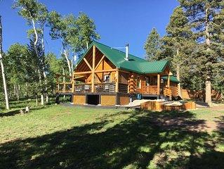 ❤️ Saddle Mountain Log Cabin with Hot Tub