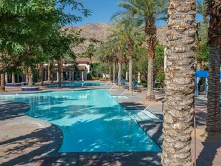 King Sized Bed, Private Patio, Fronting On Sparkling Pool & Hot Tub