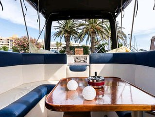 Haka'ïki appartement bateau à quai village naturiste du Cap d'Agde