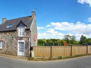 Belle maison de pecheur en pierre renovee.