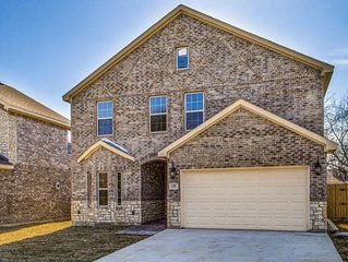 'NEW' House near Stadiums, DFW, Lake and Parks