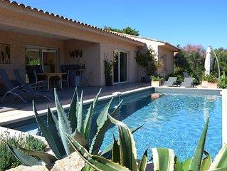 Villa, au calme,  piscine privee,  2 chambres pour 5 personnes