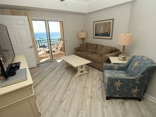 Reduced 2020 rates! 2 kings Sandestin Beachfront. wonderful views. Tram, wifi in
