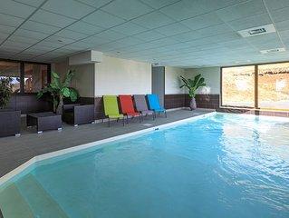 Bel appartement à Super-besse 6 pers avec piscine sauna inclus et salle de jeux.