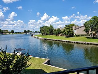 RitaVille Lake Conroe  Condo * Texas Water View Resort-Style Vacation Rental