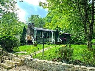 Quiet Pet Friendly Home 5 miles from Blowing Rock!