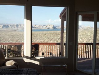Huge Views Huge Home 6 BDRM Unobstructed View of Lake Powell Secluded Quiet