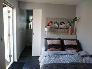 Tiny house - zeer fijne,  charmante accommodatie centraal en rustig gelegen