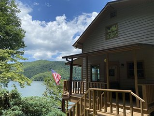 Remodeled waterfront home with private dock on Lake Nantahala!