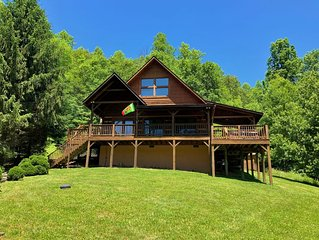Apple Cove 2 Bedroom 2 Bath Log Cabin in Valle Crucis NC
