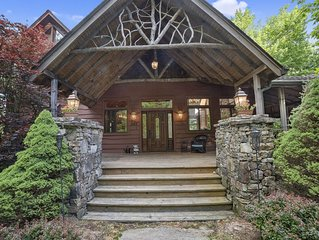 Pet-friendly, three story, 4 bedroom rustic mountain home and studio apartment ⛰