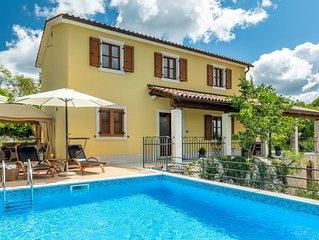 Einzigartige Villa mit Pool für bis zu 8 Personen
