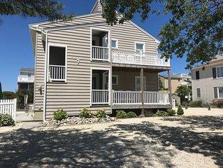 4 Houses To The Beach, Quiet Area, 1st Floor Unit