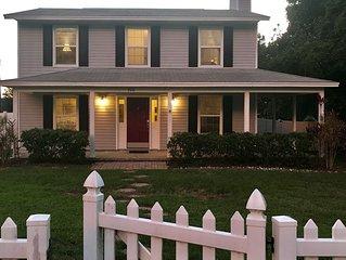 Charming Front Porch & Lake View