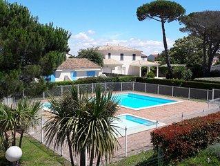 VILLA (+100m2) 3 chambres, balcon, plage à 300m, WIFI, salle de jeux, garage