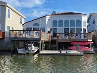 Magnificent 1 story waterfront home in North Padre Island