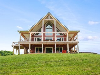 WIFI, New 2019, 20+private acres, Hiking