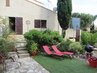 Jolie maison avec jardin sur la falaise, face à l'Etang de Leucate