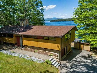 HAM148W - Magnificent Waterfront Home, Lake Winnipesaukee!