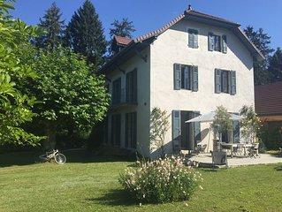 Menthon-Saint-Bernard à 200m du lac et des commerces Lac d'Annecy