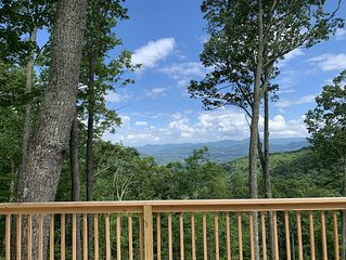 4000ft Elevation w Miles of Views from Angel Ridge with Hot Tub & Expansive Deck