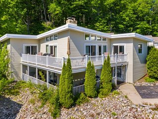 Charming Condo on the Bike path, Minutes to Petoskey and Harbor Springs!