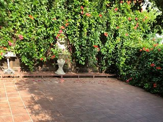 Beautiful Beverly Canyon1 bedroom Retreat with private garden  &spacious patio.