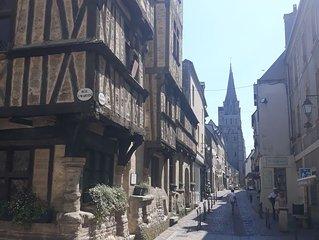 PROMOTION ETE, CHARME, appartement dans le cœur du vieux Bayeux