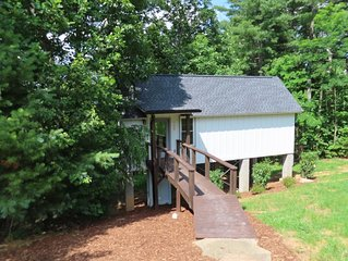 New Construction 1-Bed Cottage, 3.5 miles to Downtown Hendersonville