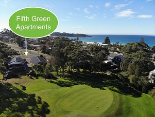 Quiet 2 Bedroom Apartment right on Mollymook Golf Course 100 metres to the Beach