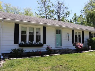 Walk to Downtown Kennebunkport! Flexible cancellation.