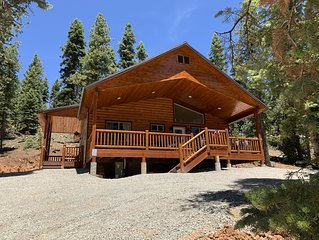 'LOVE SHACK' Cabin... A cozy, rustic, secluded getaway.