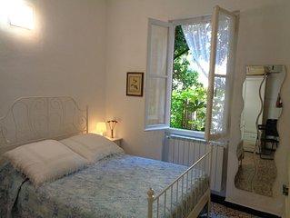 Monterosso Al Mare: A 150 metri dal mare, nel centro storico di Monterosso, una