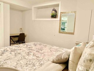 Beautiful 1 Bedroom Private Suite - (Stonebridge)
