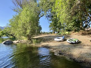 River Front Redwood Cabin Escape - 6 miles to Sequoia Park!