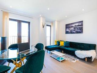 En Maison Deluxe Apartment - Free Parking & Free Wifi