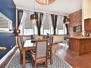 Charming Private Full Floor Super Central Old Montreal