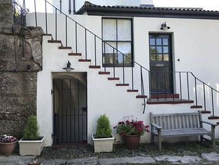 Beautifully Remodelled Historic Cottage - Great Location with Secured Parking