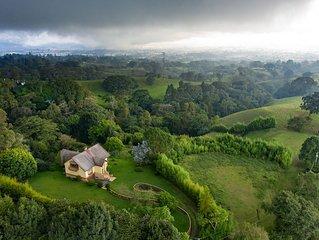 Stunning View- Casa Los Cielos plus Studio