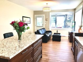 Beautiful Garden Suite in Cordova Bay