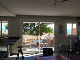 Plage à 50 mètres, appartement avec balcon et vue mer,  Wifi gratuit