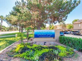 Lake community 1 bd condo. Large living room, steps from the lake and pool.