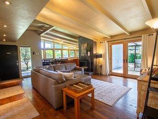 Sparkling Clean Mid Century Modern Home in Ferry Street Bridge Area