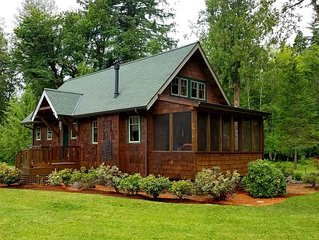 3 Night Special Rate!!! Riverfront 'Rustic-Luxe' Cabin 5 at The Log Cabin Inn