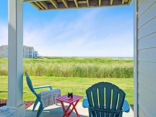 Beautiful coastal dog-friendly home w/private washer/dryer, free WiFi, & more