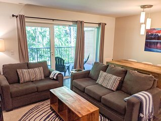 Minutes from Revelstoke Mountain Resort - 3-story townhouse, 1750 sq feet