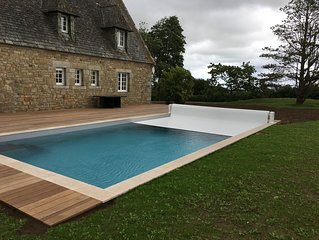 Belle maison en pierre avec piscine