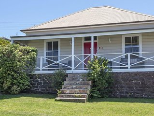 Quarryman's Cottage - country style in town