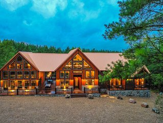 NEW Eagle's Creek Cabin - Unmatched Luxury and Fun